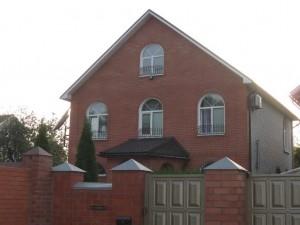 Дом с щипцовой крышей
